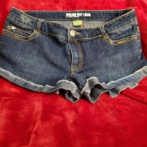 """Shorts by Selena Gomez """"Dream Out Loud"""""""